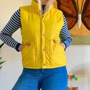Retro 1970s yellow puffer vest ski jacket S/M